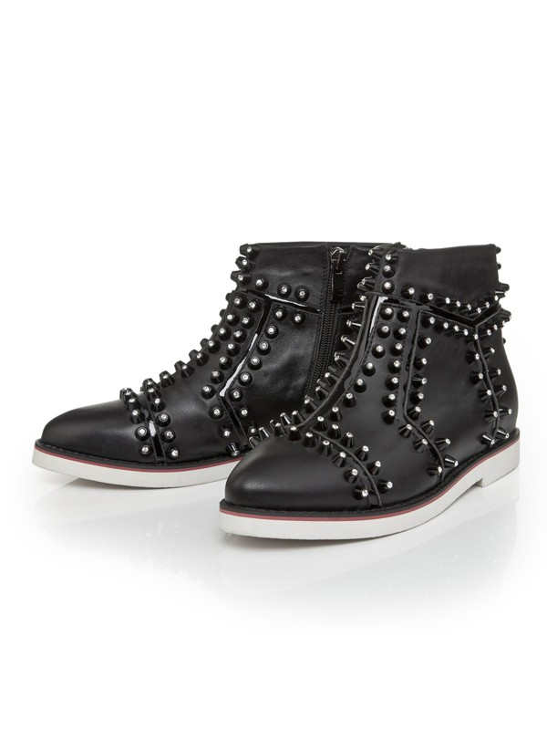 Bonnyin Black Leather Pointed Toe Boots
