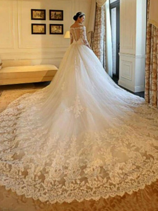 Ivory Tulle Off-the-Shoulder Ball Gown Cathedral Train Wedding Dresses