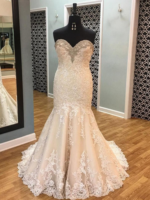 Champagne Tulle Sweetheart Trumpet/Mermaid Court Train Wedding Dresses