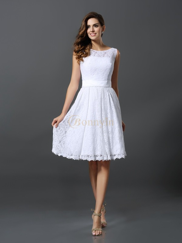 White Lace Scoop A-Line/Princess Knee-Length Bridesmaid Dresses