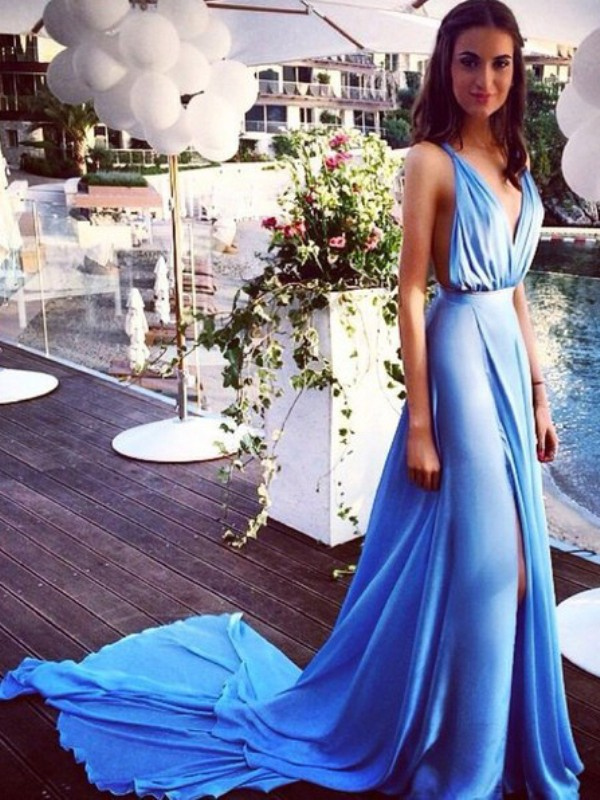 Blue Chiffon Spaghetti Straps A-Line/Princess Court Train Dresses