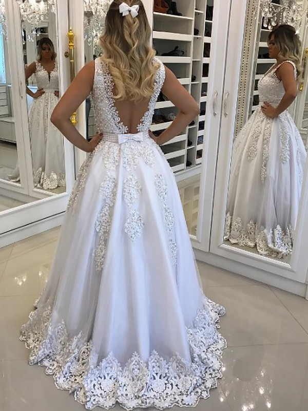 White Tulle V-Neck A-Line/Princess Floor-Length Dresses
