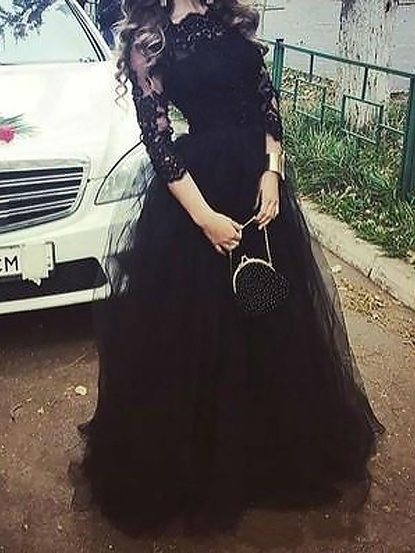 Black Tulle Bateau Ball Gown Floor-Length Dresses