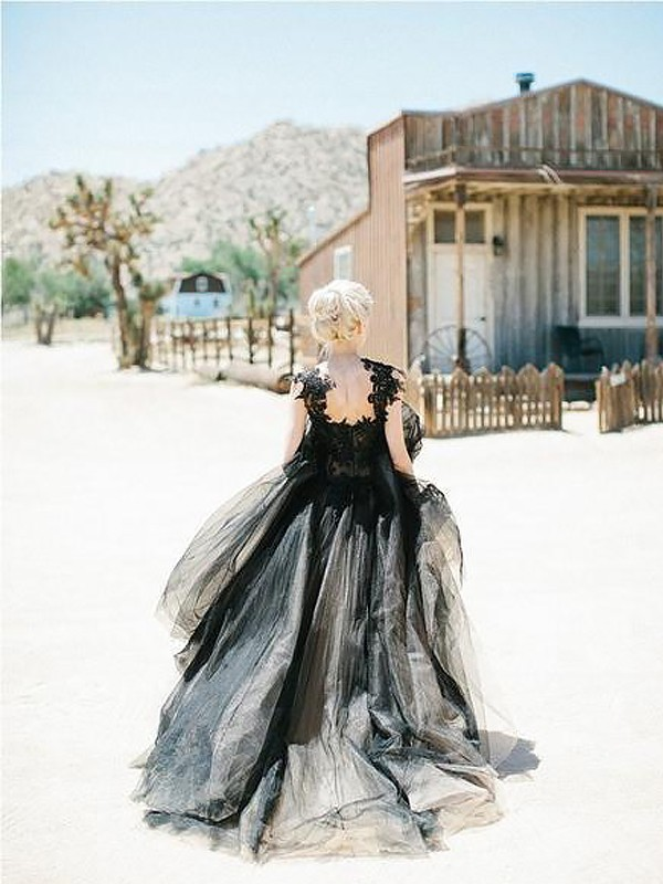 Black Tulle Sweetheart Ball Gown Sweep/Brush Train Dresses